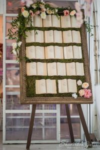 seating chart tableau de mariage books frame flowers wedding